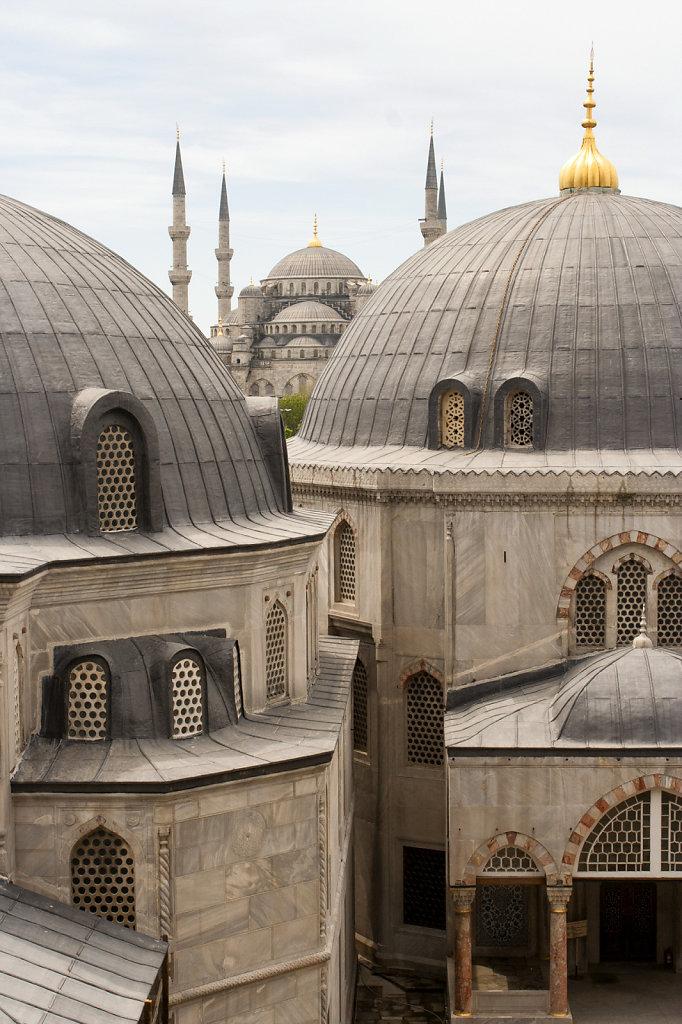 7. Istanbul - Zicht op de Blauwe moskee