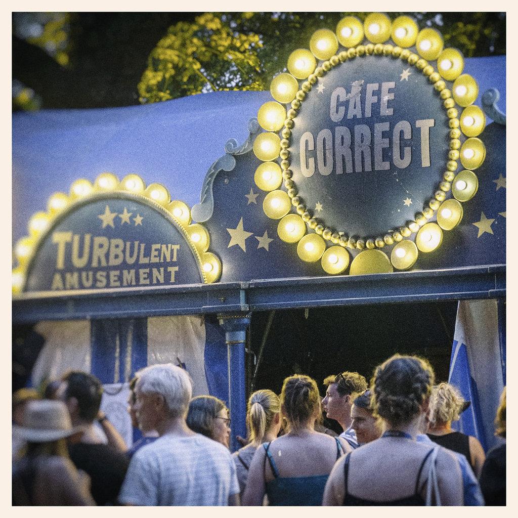 4. Utrecht - Parade. Cafe Correct